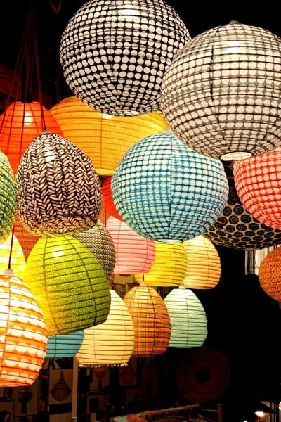 Don't these bright patterned paper lanterns look fabulous for a party. I like them all mixed up.