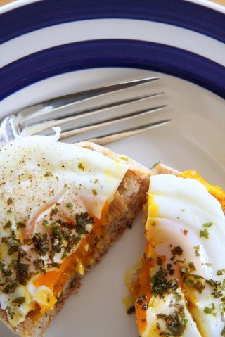 poached eggs with crunchy kale #poachit
