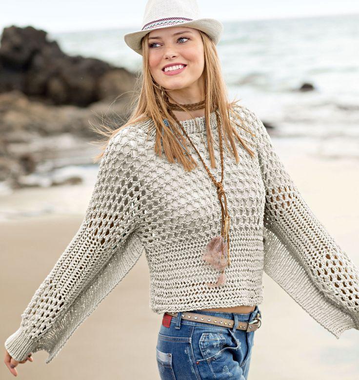 Связанный поперек короткий пуловер