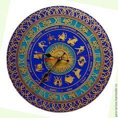 Часы настенные интерьерные `Знаки Зодиака` Часы настенные интерьерные расписанные в технике точечной росписи. Часы настенные. Ручная роспись по стеклу.