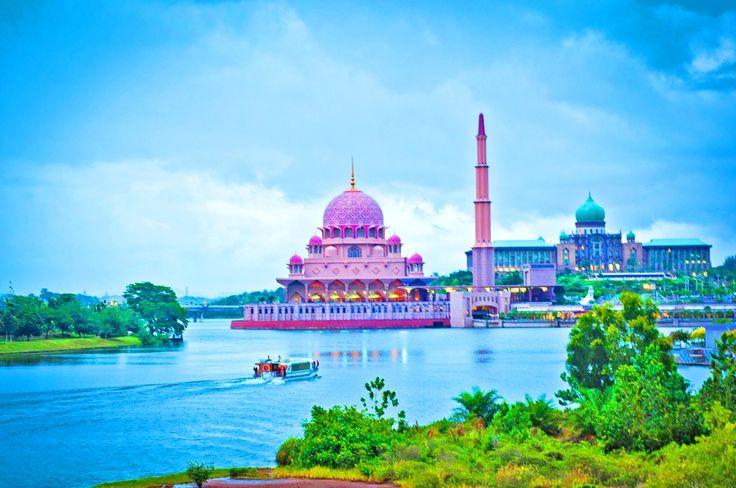 Putrajaya Mosque by Abdulraheem Almalmi on 500px