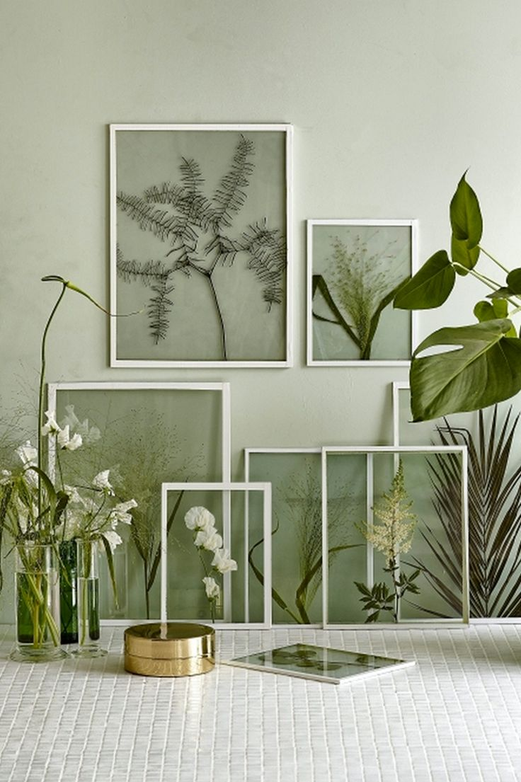 Bring the outdoors in for a fresh take on wall decor. Teri from  @thelovelydrawer