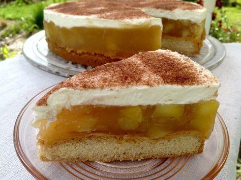 Apfel- Cidre- Torte mit Schmand und Sahne