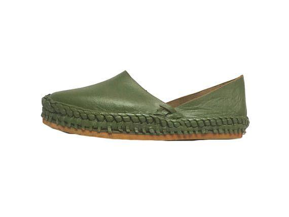 d48b74a6ee55 green  moss  woven  platforms  handmade  mohinders  Thaqafah