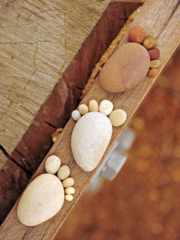 Empreintes faites en galets - Footprint made with rocks