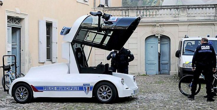 """Cars - Béziers : la police municipale en mode """"Transformers"""" avec l'IRIS Viséo - http://lesvoitures.fr/beziers-la-police-municipale-en-mode-transformers-avec-liris-viseo/"""