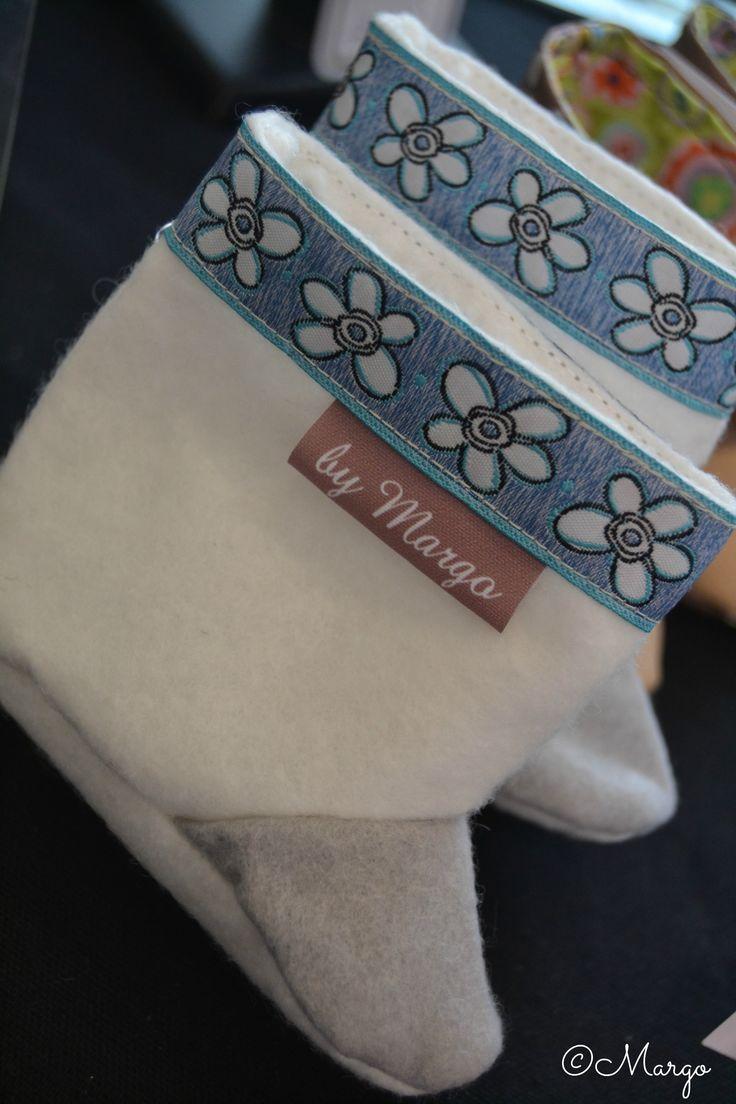 Alors là, j'ai complétement craqué pour ces petits chaussons tout doux pour bébés! 15€, différents coloris au choix