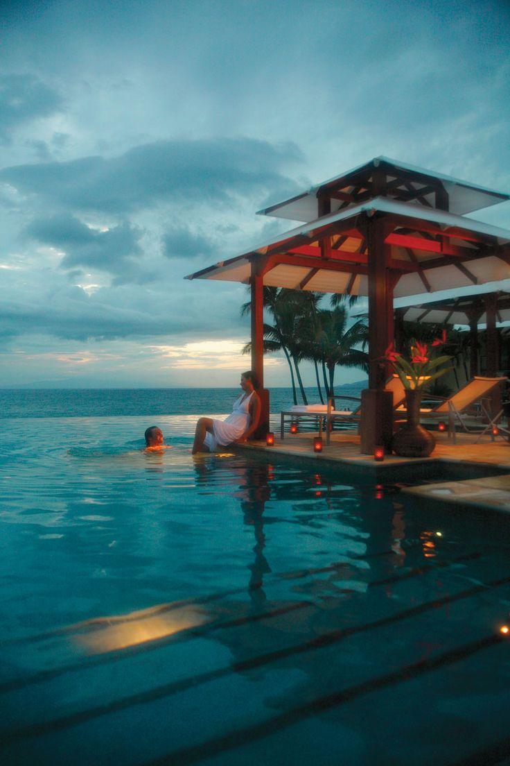 infinity pool at Wailea Marriott Resort