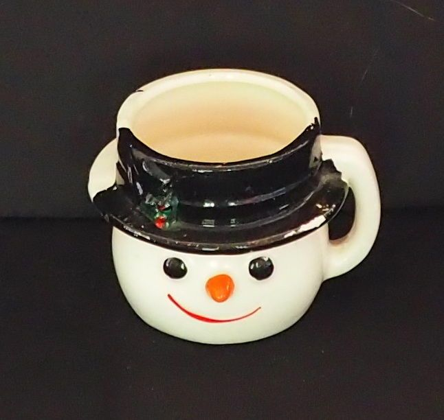 RARE VINTAGE NOVELTY EGG CUP - HAND PAINTED SNOW MAN WITH BLACK HAT & HANDLE