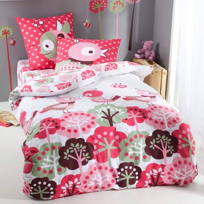 14 best images about linge de lit fille girl bed linen on pinterest shops roses and gaia. Black Bedroom Furniture Sets. Home Design Ideas