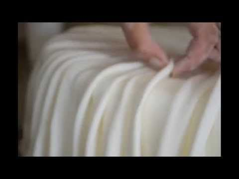 How To Make A Beautiful Ruffle Cake - Como Hacer Un Pastel Con Volantes - YouTube