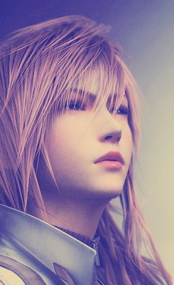 Lightning - Final Fantasy XIIINot a mnga or anime....but it's soo cool...I'm gonna cosplay her....