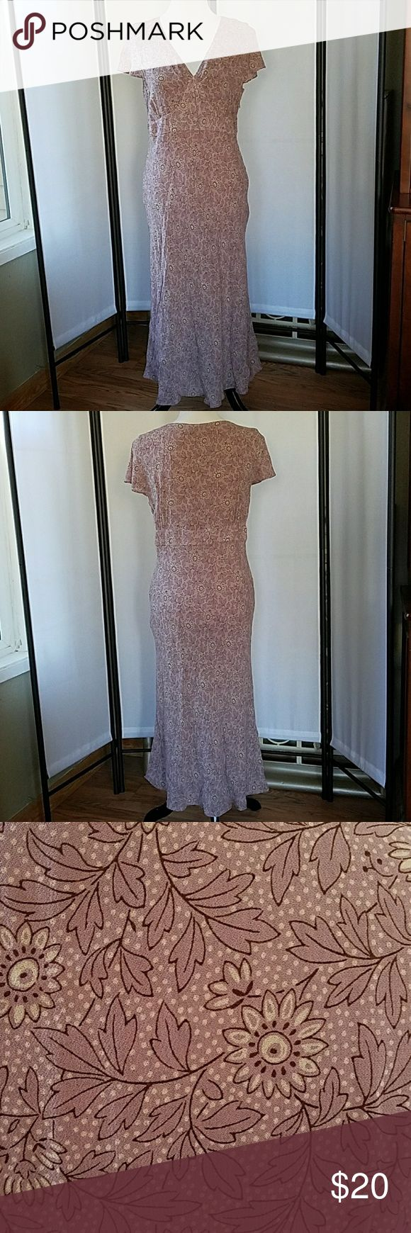 Beautiful Boden dress Beautiful dress in excellent used condition. Boden Dresses Midi