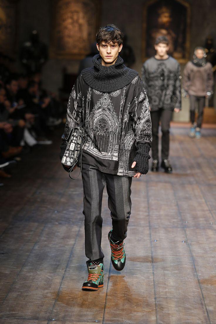 http://www.dolcegabbana.com/man/fashion-show/runway-gallery/dolce-and-gabbana-fw-2014-2015-men-fashion-show-runway-32/