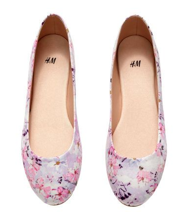 Floral-print ballet flats in pastel pink & white. | H&M Pastels