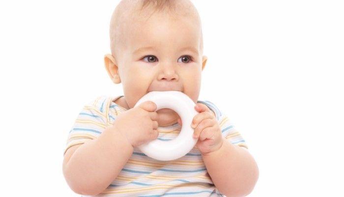 Il Met Tout A La Bouche Bebe Bouche Enfant