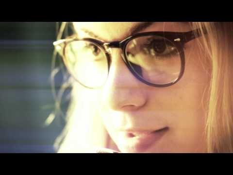 ▶ poetry Slam von Julia Engelmann | stille wasser sind attraktiv - YouTube