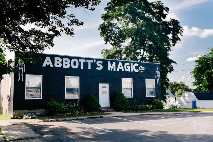 A Fascinating Look at Colon, Michigan, the Self-Described 'Magic Capital of the World'