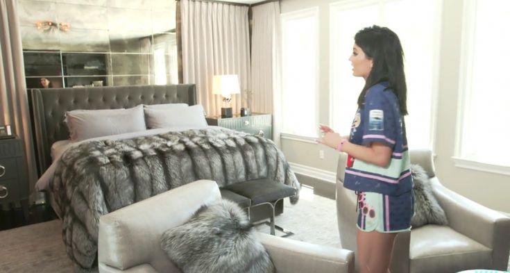 Kris Jenner Bedroom Furniture - Best Interior Wall Paint Check more at http://www.magic009.com/kris-jenner-bedroom-furniture/