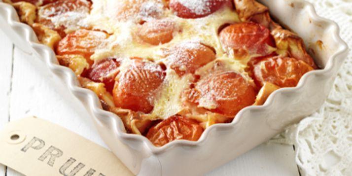 """Marjon Orbons is een van de zes winnaars van de Margriet Bakwedstrijd.Sinds haar twaalfde bakt ze al, meestal op vrijdagmiddag. Eerst was dat cake in allerlei varianten, maar inmiddels is haar smaak verschoven naar baksels met vers fruit. """"Fris en een beetje 'klef', zoals deze clafoutis. Maar bijvoorbeeld ook appeltaart of worteltjestaart. Ik kies bij …"""
