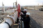 Irak dan Iran setujui investasi bersama di dua ladang minyak  BAGHDAD (Arrahmah.com)  Pemerintah Irak dan Iran pada Ahad (30/7/2017) sepakat untuk memulai investasi bersama di dua ladang minyak yang berada di perbatasan antara kedua negara.  Menteri Perminyakan Irak Jabbar Al-Luabi mengatakan bahwa ia menandatangani kesepakatan awal dengan mitranya dari Iran dengan harapan mereka menandatangani kesepakatan akhir pada kuartal pertama tahun depan.  Ia juga mengatakan bahwa kesepakatan tersebut…