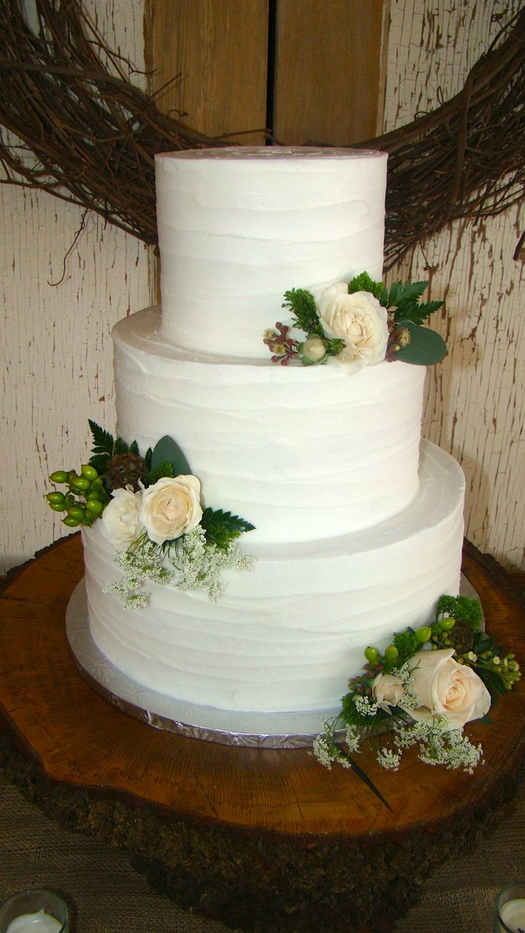 17 Best 1000 images about Smooth Buttercream Wedding Cakes on Pinterest