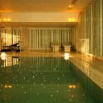 The indoor swimming pool and spa at the Salvator Hotel