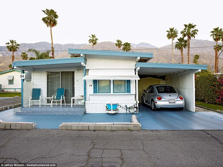This home doens't look like it was once a portbale house with a neat car parking bay and veranda. The book also includes mobile homes from the Blue Skies Village Trailer Park that was founded by singer Bing Crosby. ¿I trained and worked as an architect and found that I was always attracted to economy of scale and owner built indigenous architecture,' he said