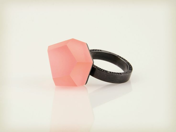 Vu - coral red, ruthenium ring - =PYO=