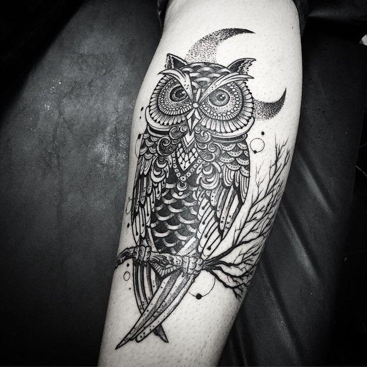 Começando o dia com a coruja de Ndré !! Valru mano ! Contato para orcamento e agendamento no tel 27 999805879 com @bruno_a_luppi #kadutattoo #tat #tattoo #tattoos #tattooed #inked #owl #owltattoo #dotwork #blackworktattoo #dotworktattoo #coruja #tatuagemcoruja