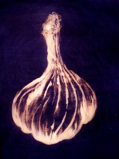 Pip Pittman: Ink n Bleach. Amazing creation with ink. The simplicity is really striking and yet it is so obviously garlic. Also posted and shared to Facebook