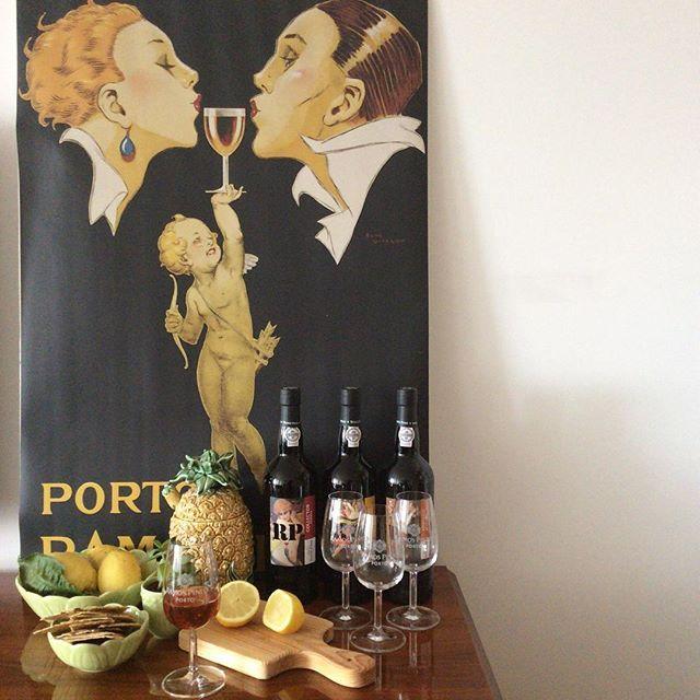 Celebrate! Why? Why not? #portwine #PortoRamosPinto #ceramics #woodboards #livingplacesandyou #showroom #Lisboa #portuguesebrands #madeinPortugal #BordalloPinheiro #Gradirripas #renevincent