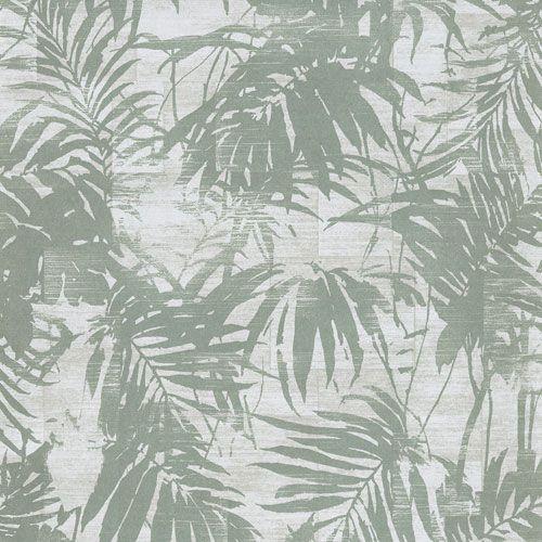 Tapet med läckra palmblad i härlig dov grön nyans på ljus botten från kollektionen Allegro, ALL103. Klicka för fler inspirerande tapeter för ditt hem!