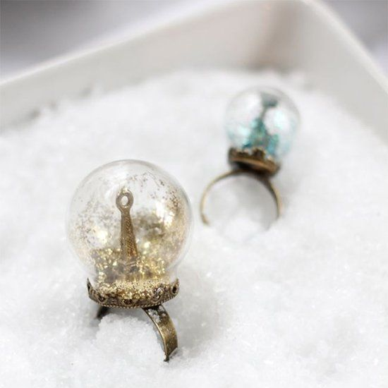 How to make snow globe rings to wear for the holiday season.