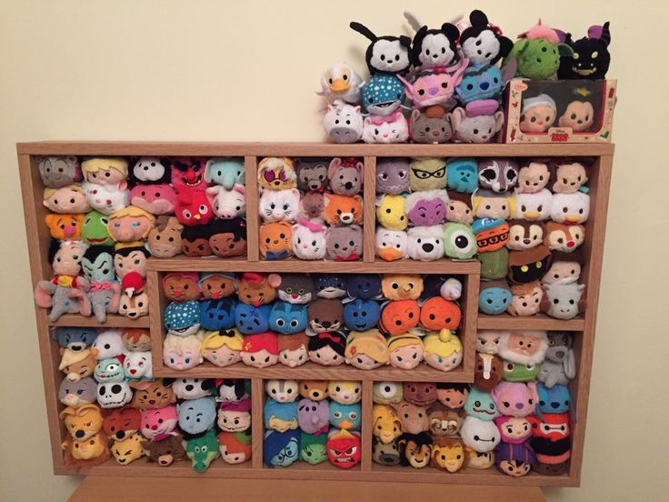 """scraleos: """"My tsum tsums! My girlfriend put together the shelf for me earlier """""""