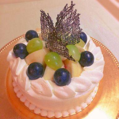 桃とぶどうのショートケーキ