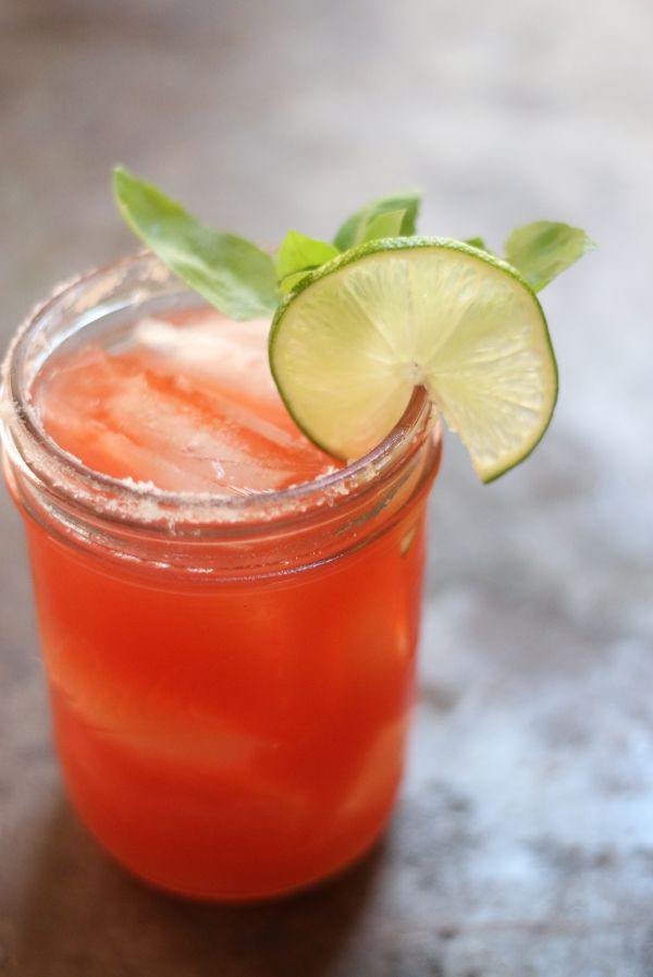 Summer Watermelon Vodka Cocktail — whipping up some of these for the weekend!
