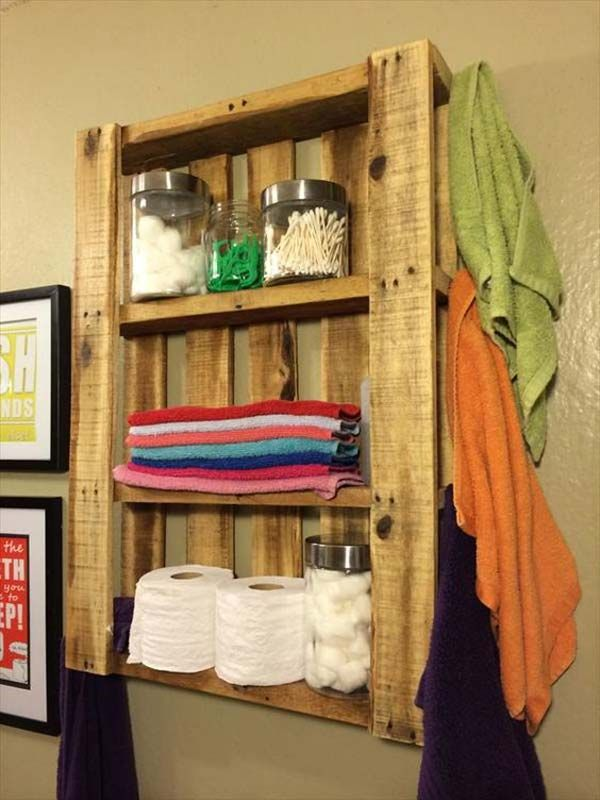Nice and Easy DIY Pallet Bathroom Wall Hanging Shelf.