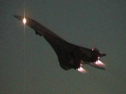 Afterburners on, Concorde night takeoff