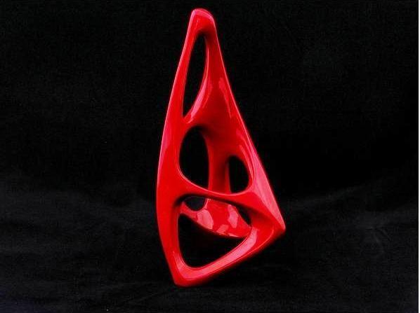 """Gondolkodó - 01  Porcelán, """"ökörvér"""" vörös eozinmázzal   Formaszám: 9747  Mérete: 20 cm magas   Zsolnay gyár, jelzés nélkül  http://innogaleria.hu/termekek/keramia/torok_janos/gondolkodo.html"""