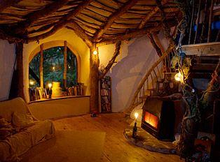 homes: Hobbit Hole, Cob House, The Hobbit, Hobbit Home, Dreams House, House Interiors, Living Room, Hobbit Houses, Trees House