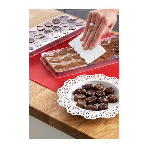 SNÖKUL 4-delers sjokoladeformsett IKEA Ideell når du vil lage dine egne sjokolader og fylle dem med for eksempel nougat eller nøtter.