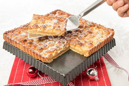 Caramel Macadamia Tart is an elegant and decadent dessert which satisfies all the sweet, salty, crunchy aspects you need in a dessert.