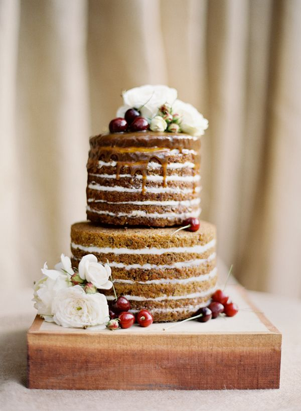 We are SO loving naked wedding cakes (though we miss the frosting...)