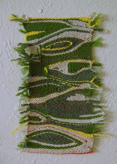 Pin Weaving - Using simple Pins and Wool Rests to create abstract Weavings #pin #weaving, #cloth