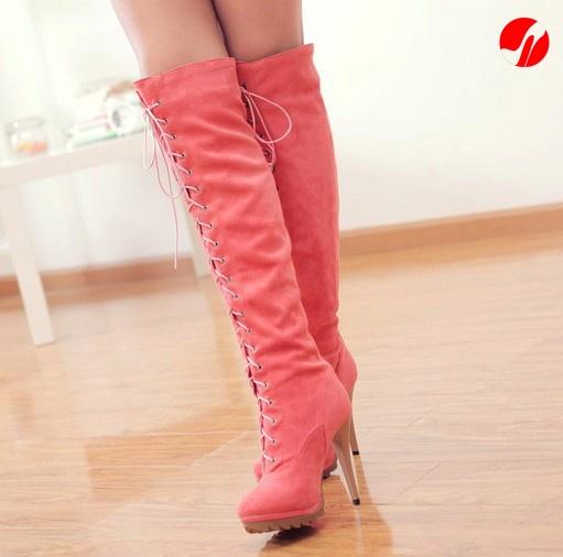 # Stivali scamoscio Stivali con lacci