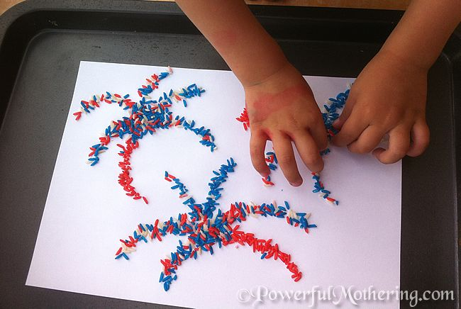 Quick & Easy: 4 July Kids Craft Ideas – Color Rice Fireworks!
