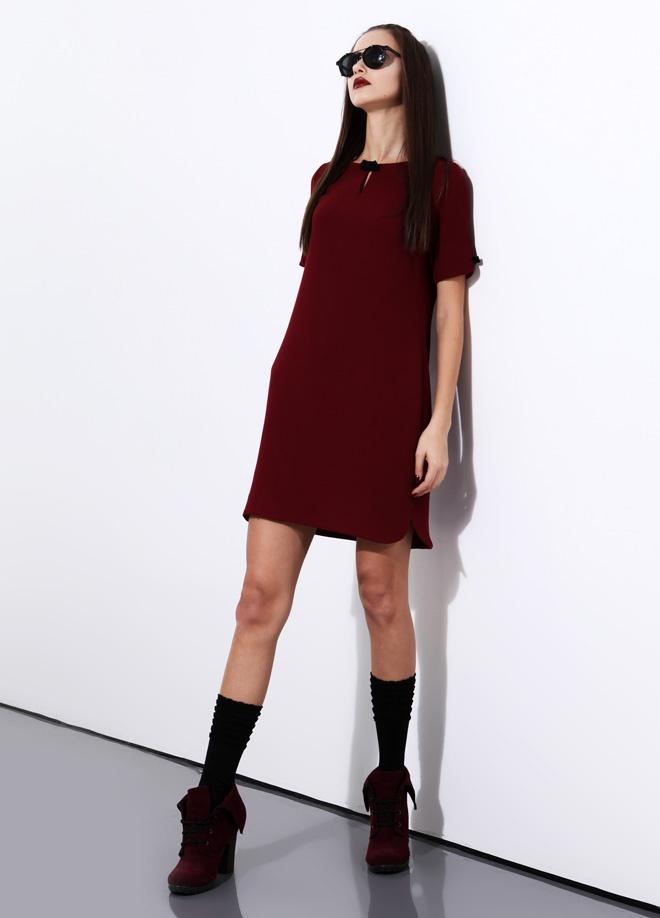 LRS Kol yaka fiyonklu elbise Markafoni'de 149,99 TL yerine 49,99 TL! Satın almak için: http://www.markafoni.com/product/3079858/