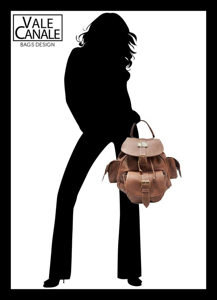 MOCHILA BOMBON  Cuero Napa color suela, herrajes de fundición bañados en oro TIENDA ONLINE: http://www.valecanale.com.ar/#!/producto/16 FAN PAGE: https://www.facebook.com/ValeCanaleBagsDesign https://twitter.com/ValeCanaleBags