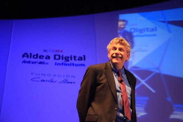 El código genético es el código digital de la vida, la revolución científica en Aldea Digital: Lander - http://webadictos.com/2015/07/21/el-codigo-genetico-es-el-codigo-digital-de-la-vida/?utm_source=PN&utm_medium=Pinterest&utm_campaign=PN%2Bposts